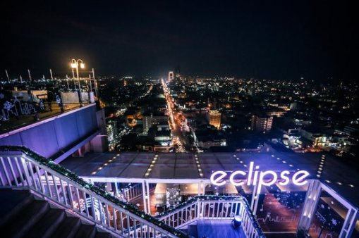 eclipse-sky-bar