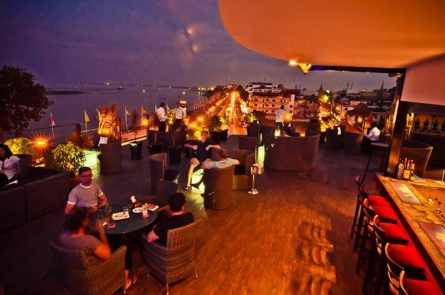 le_moon_terrace