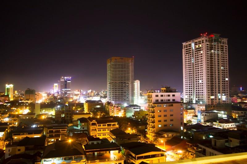 phnom_penh_bynight